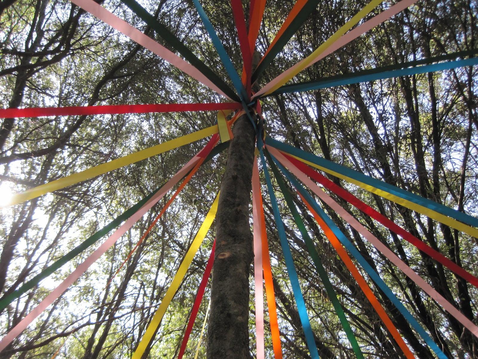 may-day-tree-pole